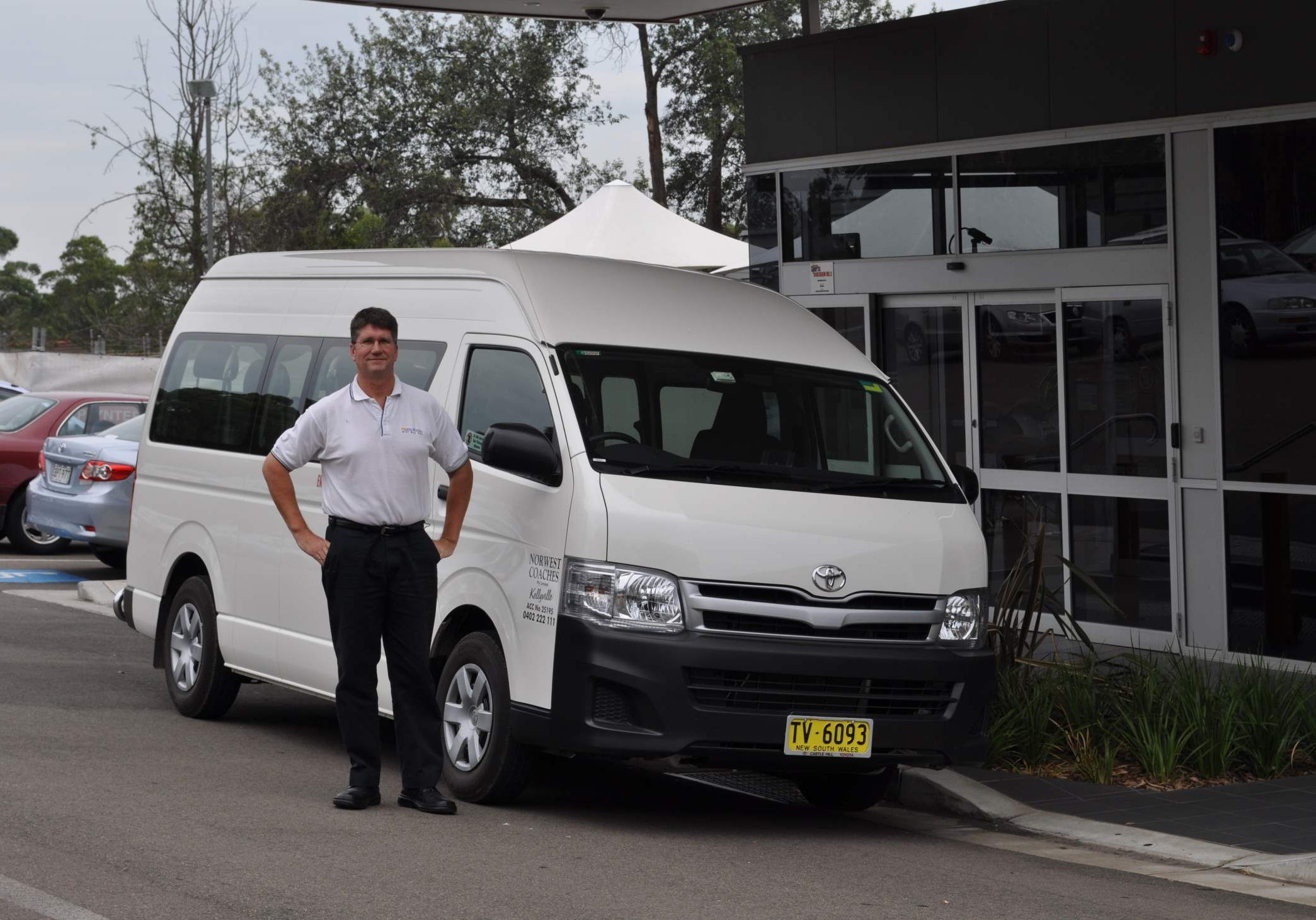 Beats Walkin Mini Bus Hire Northwest Coaches Charter Bus Sydney Corporate Transfers 3
